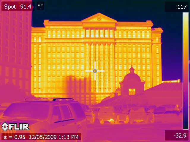 A thermal image of Caesar's Palace Las Vegas taken with the PM 640 Infrared Camera