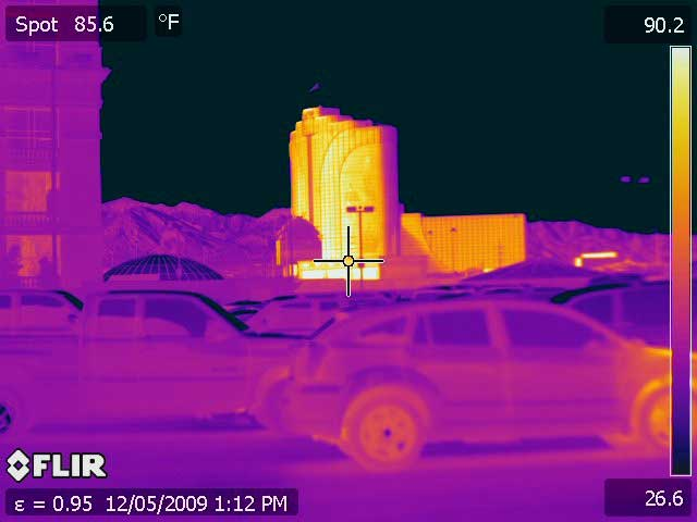 A thermal image of the Rio Casino Las Vegas taken with the PM 640 Infrared Camera