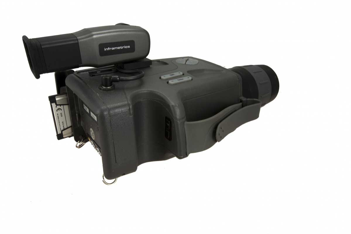 Side view of the SC 1000 infrared camera