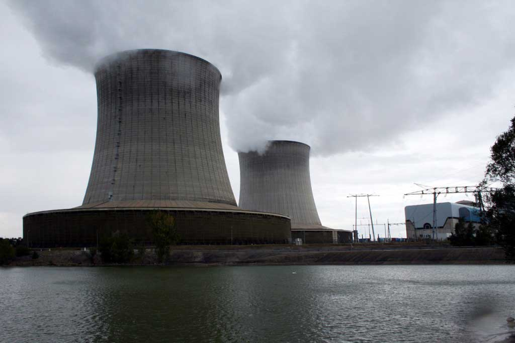 an analysis of newsweek and times articles regarding the ginna nuclear power plant accident