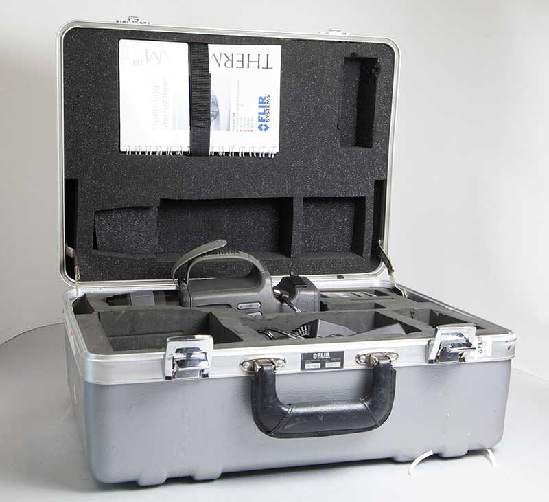 SC1000 used FLIR scientific thermal imager with had case